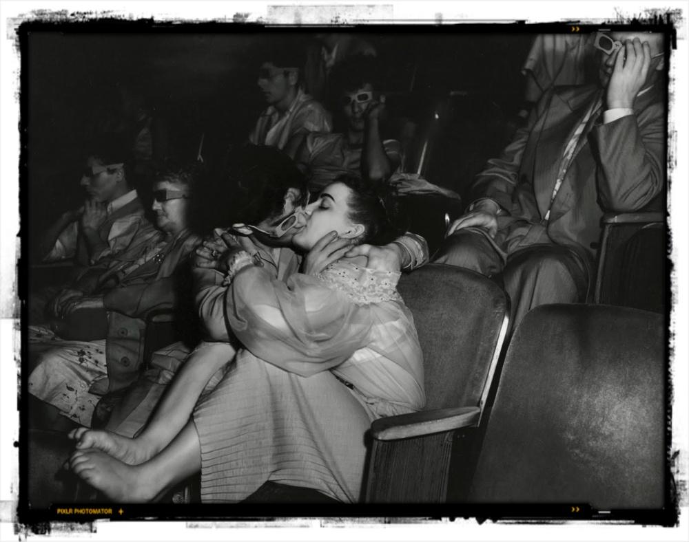 "Due giovani ""lovers"" fotografati da Weesee"